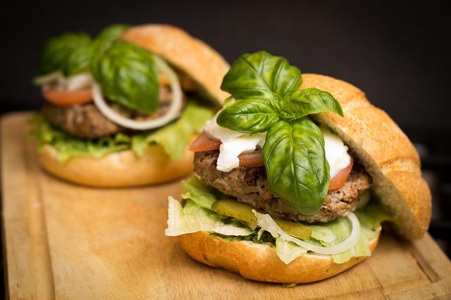 BLOG POSbistro - hamburger z bazylią
